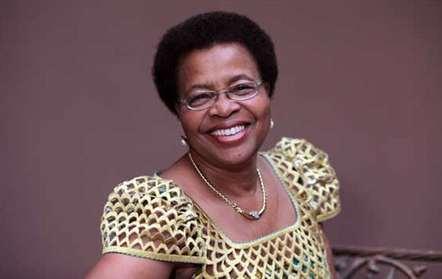 Graça Machel conversa com adolescentes sobre situação das crianças em Moçambique