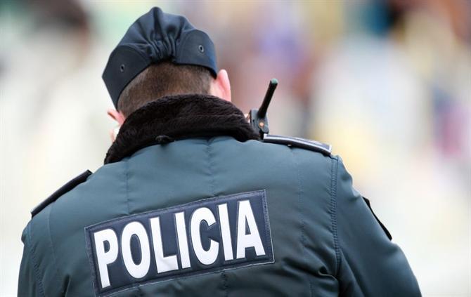 Resultado de imagem para Mala abandonada leva à evacuação do Jardim da Manga, em Coimbra