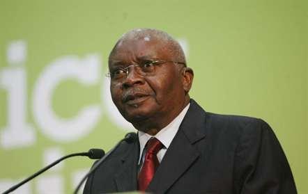 Nyusi dirige mensagem a antecessor Guebuza