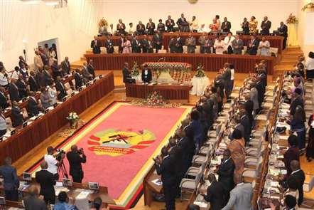 Parceiros condicionam apoio direto ao Orçamento do Estado