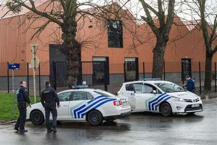 Quatro pessoas detidas e acusadas de planear atentados