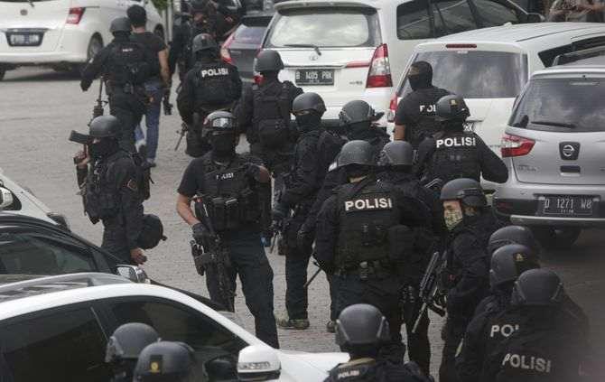 Alegado atentado faz vítimas na capital da Indonésia