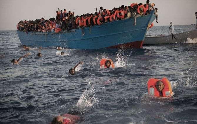 Mais de 300.000 migrantes atravessaram o Mediterrâneo em 2015