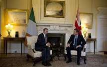 David Cameron com o primeiro-ministro irlandês Enda Kenny