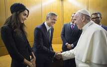 George Clooney distinguido pelo Papa