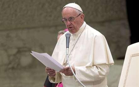 Papa diz que Igreja Católica deve pedir desculpa «a homessexuais, pobres e mulheres que tenha tratado mal»