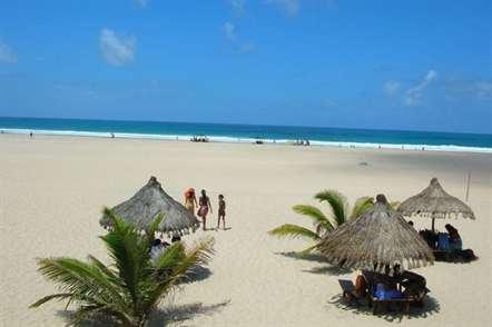 Governador de Inhambane diz que violência política prejudica turismo