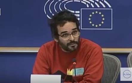 Luaty Beirão entre ativistas que se queixam de agressões da polícia em manifestação