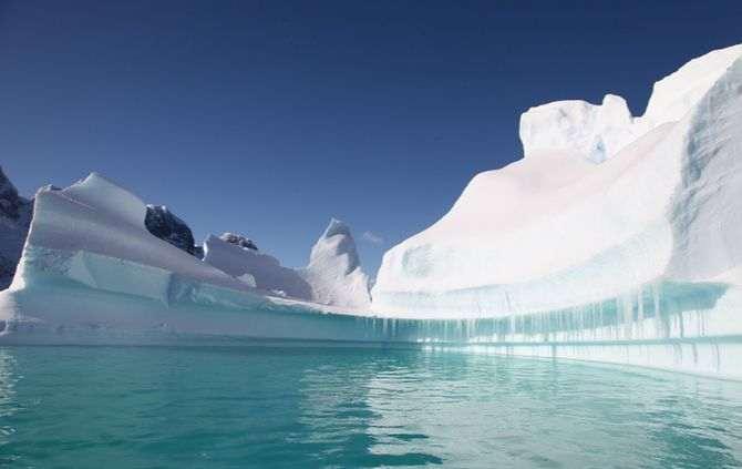 Icebergue com cinco mil quilómetros quadrados pode desprender-se da Antártida