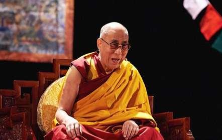 Dalai Lama defende que a Alemanha «não se pode transformar num país árabe»