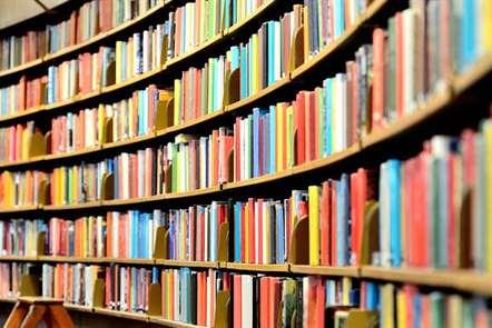 Ministra da Cultura diz que prémio literário de 2016 vai ser atribuído