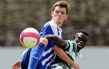 João Lameira e Elves Baldé em disputa no clássico entre FC Porto e Sporting