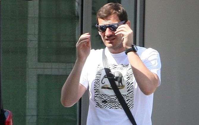 Iker Casillas não renovou e tem proposta do Liverpool