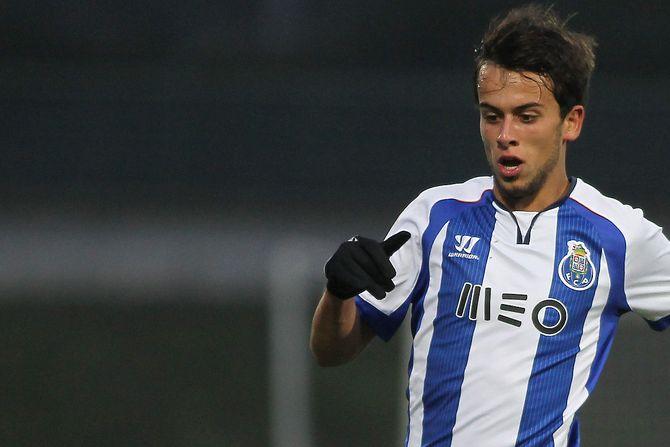 Neymar dá assistência, se irrita e Barcelona vence na Liga dos Campeões