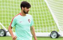Juventus oferece quatro jogadores para garantir André Gomes