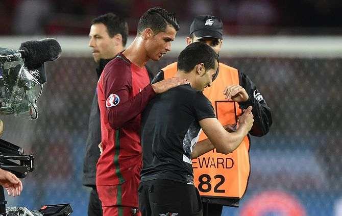 Ronaldo com adepto