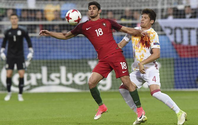 http://www.abola.pt/img/fotos/ABOLA2015/SELECAO/SUB21/EURO2017/goncaloguedes.JPG