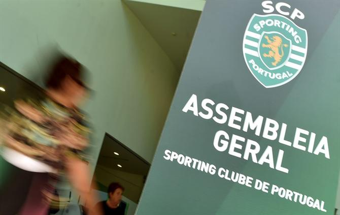 http://www.abola.pt/img/fotos/ABOLA2015/SPORTING/2017/assembleia1.jpg