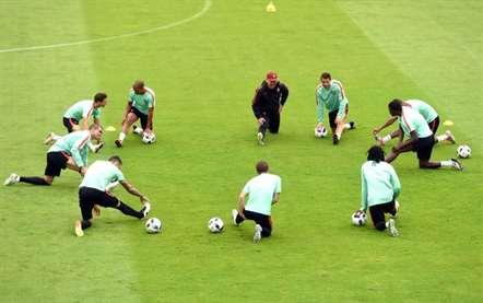 Portugal treina-se no Centro Tecnico de Rugby, em Marcoussis, tendo em vista o jogo da próxima quinta-feira, diante da Polónia (Miguel Nunes/ASF)
