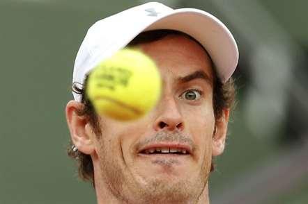 Britânico Andy Murray no Torneio Roland Garros num jogo frente ao francês Mathias Bourgue, em Paris. (Alastair Grant/AP)